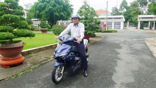 Bộ GTVT muốn thí điểm cán bộ đi làm bằng xe máy