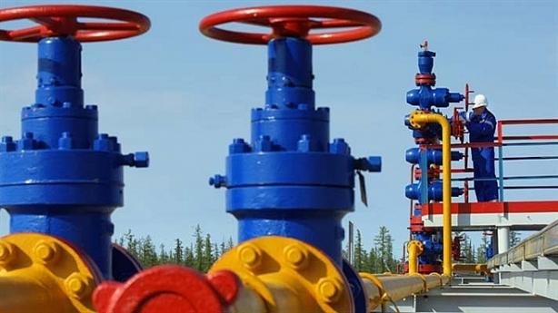 Mỹ cấm vận dầu mỏ, giúp Nga thu về tỷ USD