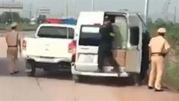 Camera ghi lại CSGT nổ súng truy đuổi xe khách vi phạm