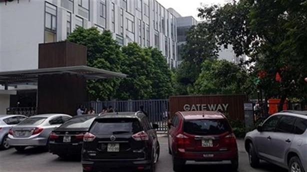 Điểm mờ vụ bé trai chết trên xe Gateway: Ai kéo rèm?