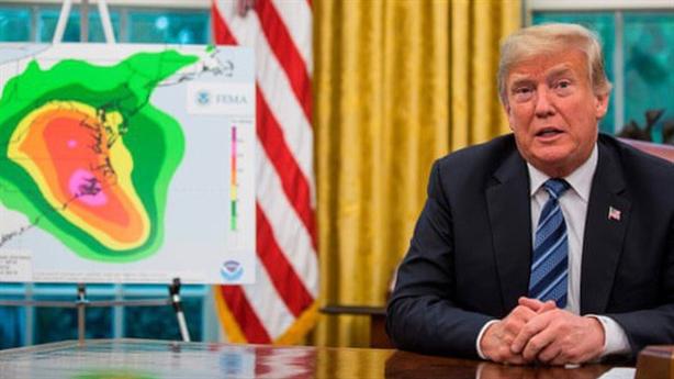 Ông Trump chối chuyện thả bom hạt nhân đánh tan bão