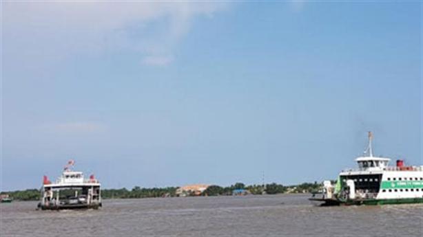 Thi thể nhà báo trên sông: Xe tìm thấy trên bờ