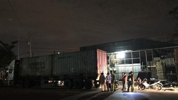 Tin mới vụ tài xế container bỏ mặc nạn nhân đầy máu