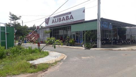 Địa ốc Alibaba xin tự tháo dỡ: Làm thật hay câu giờ?