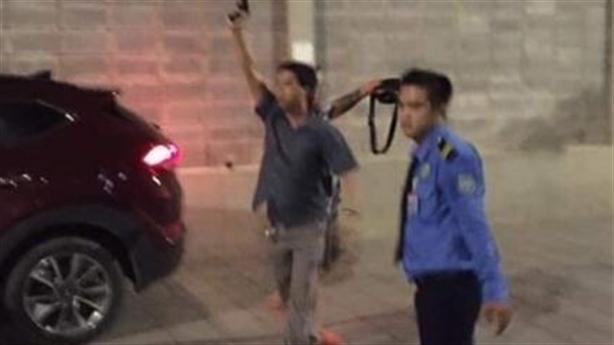 Lao ôtô vào vợ chồng ở Gold View: Nổ súng trấn áp