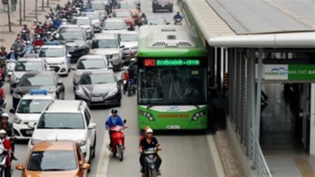 Hà Nội: Lần thứ 3 tính mở đường riêng cho xe buýt