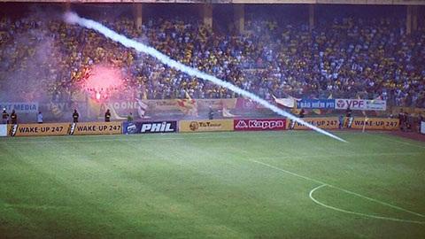 Vụ pháo sáng: Cấm CĐV Nam Định vào sân khách thế nào?