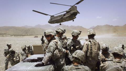 Nga muốn kéo Mỹ khỏi bãi lầy Afghanistan?