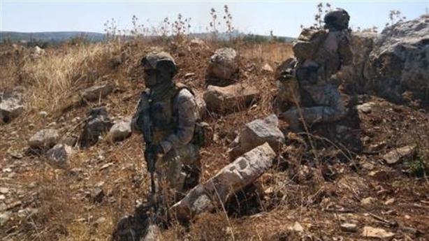 Nga dồn quân vào Idlib, ông Assad ban lệnh ân xá