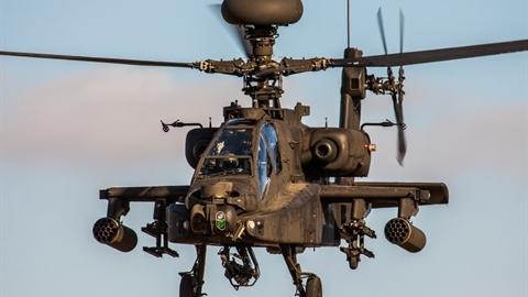 AH-64 có thể đánh T-14 Armata từ cách xa 40 km?