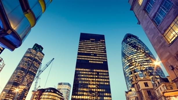 Xu hướng thâu tóm BĐS trong nước: Lo bán danh, đẩy giá