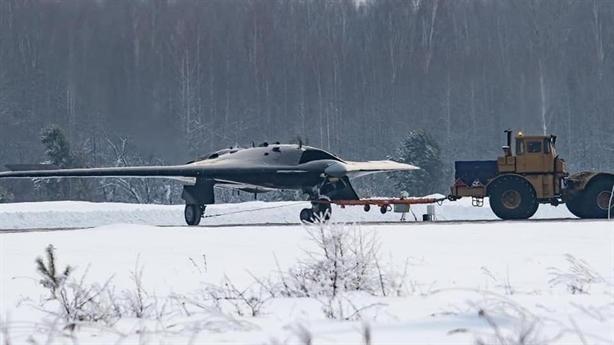 S-70 Okhotnik kết hợp Su-57 đối đầu Skyborg Mỹ?
