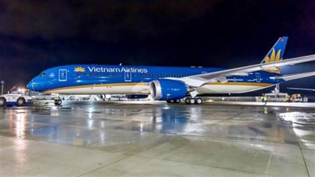 Máy bay Vietnam Airlines lỗi bung càng hạ cánh: Đang điều tra