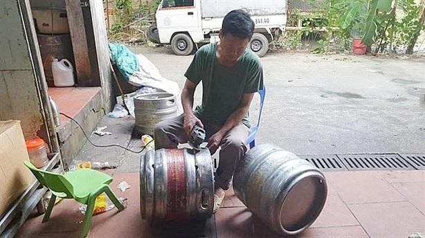 Phát hiện cơ sở làm giả bia ở Hoài Đức