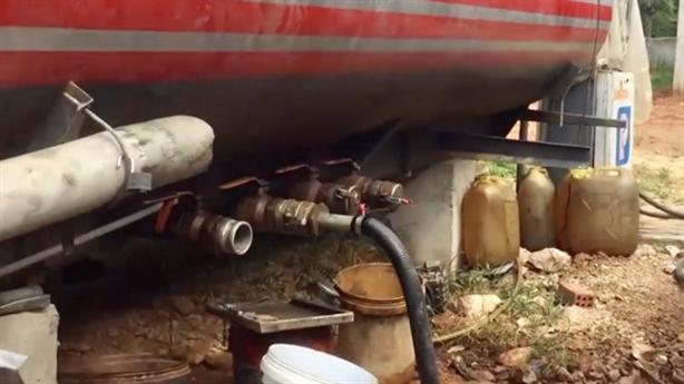 Hai GĐ trong đường dây làm 300.000 lít dầu giả khai gì?