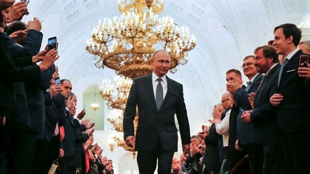 Putin đưa nước Nga vào giai đoạn 3 thời hậu Xô Viết!
