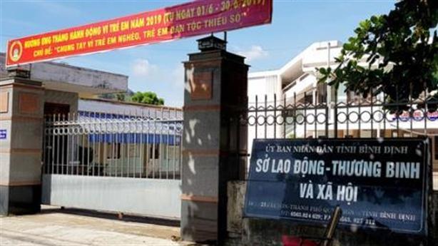 Bình Định buộc thôi việc PGĐ Sở nợ khủng: Vẫn bặt tăm