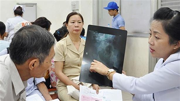 ĐBQH yêu cầu ngăn chặn tư nhân hóa các bệnh viện công
