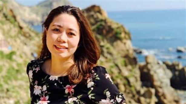 Hot girl làm trưởng phòng ở Đắk Lắk: Do hiếu học?