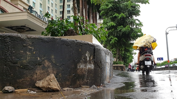 Nâng đường Nguyễn Hữu Cảnh thêm 1,2m: Lo nhà thành hầm