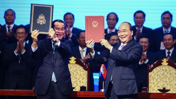 Việt Nam - Campuchia ký thỏa thuận lịch sử