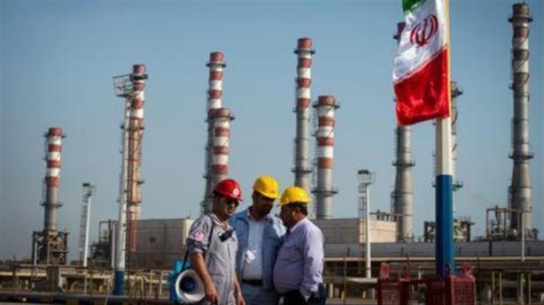 Bất chấp lệnh trừng phạt Mỹ, Iran vẫn 'sống khỏe'