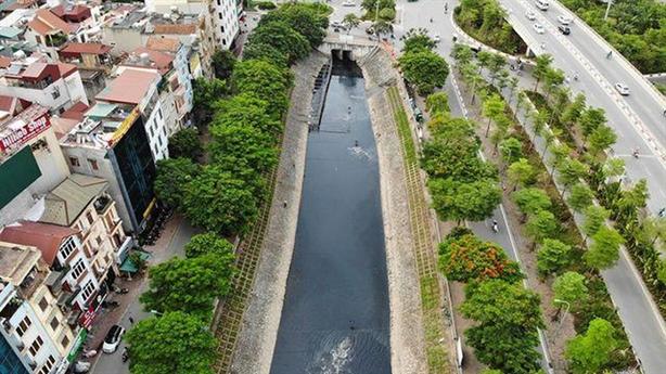 'Cống hóa' sông Hà Nội làm bãi đỗ xe: Điểm phi lý
