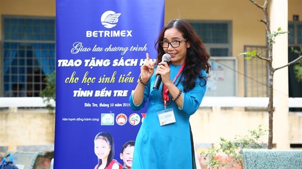 Betrimex trao tặng sách cho học sinh tiểu học tỉnh Bến Tre