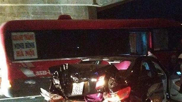 Nghi Trung tá sát hại bạn gái trên đường: Do tiền bạc?