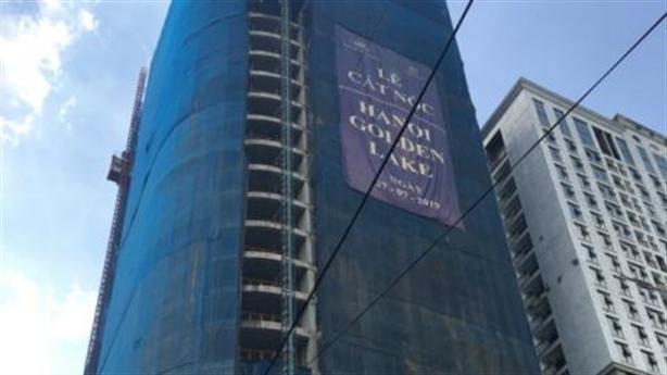 Vấn đề giấy phép dự án dát vàng giữa Thủ đô