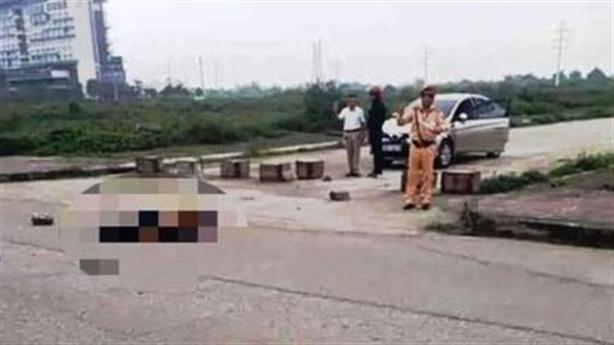 CSGT đứng nhìn cô gái bị sát hại bị giáng cấp