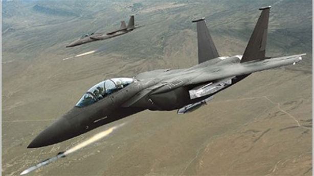 Su-35 hay F-15 đã xua đuổi F-16 Thổ?