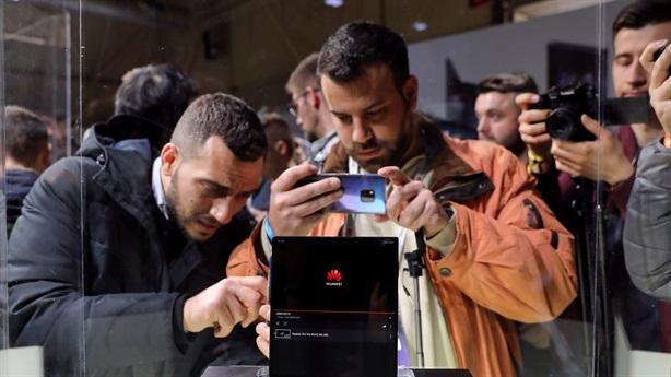Huawei minh chứng doanh số tăng vọt trong lệnh cấm Mỹ