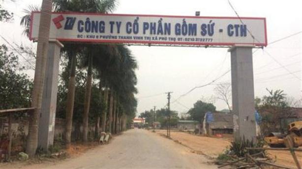 Thuê 7 triệu đổ dầu vào nước sông Đà: Nhiều chị Trang