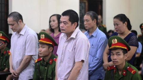 Kỷ luật vợ Chủ tịch Hà Giang: Cần mở rộng điều tra