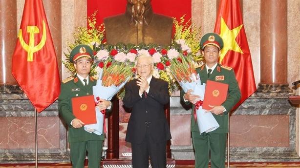 Trao quyết định thăng quân hàm hai Thượng tướng