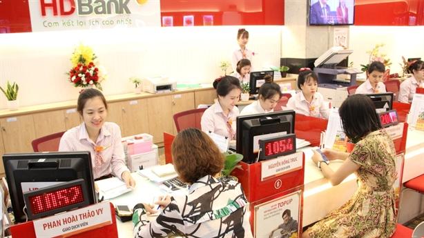 Cùng HDBank vi vu thế giới