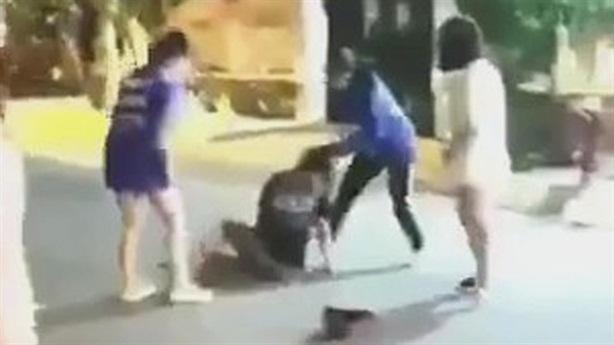 Nữ sinh bị bạn lột áo, kéo lê: 'Không còn đòi chết'