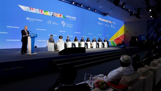 20 tỷ USD và chiến thắng của gấu Nga ở châu Phi