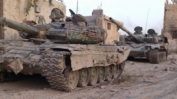 T-72 Syria sống sót khi bị tên lửa đánh trúng