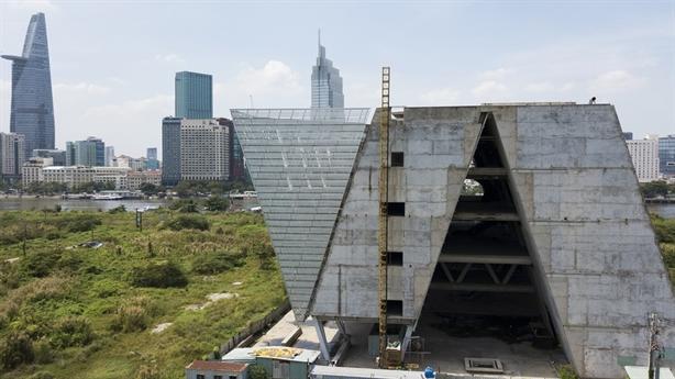Trung tâm Triển lãm 800 tỷ bỏ hoang: Dự án gì thế?