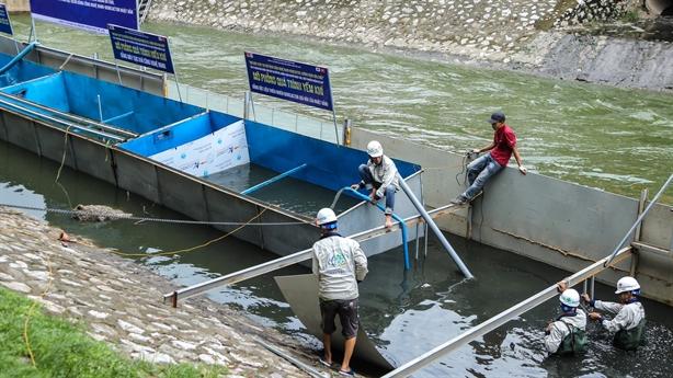 Xử lý sông Tô Lịch: Kiểm soát nguồn xả thải ra sao?