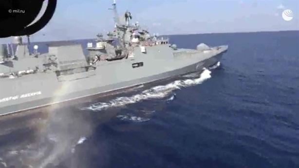 Hải quân Nga phô diễn hỏa lực khi Hmeymim bị tấn công