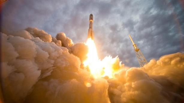 'Mỹ coi Nga là kẻ thù, đừng mua thêm RD-180'