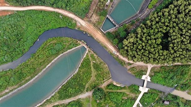 Lùm xùm nước sạch sông Đà và nỗi lo nước đắng