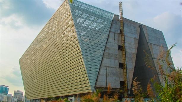 Trung tâm Triển lãm 800 tỷ bỏ hoang: Sai từ đầu