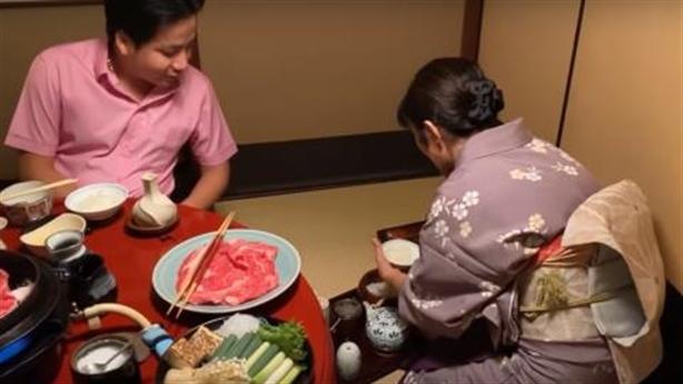 Khoa Pug nói phụ nữ Nhật quỳ khóc: 'Thiếu tử tế'