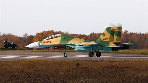 Việt Nam nhận lại tiêm kích Su-27UBK số hiệu 8523 từ Belarus