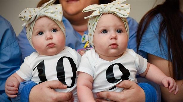 Trẻ em Mỹ vừa chào đời đã gánh nợ gần 70.000 USD