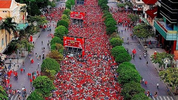 Tiger Beer đưa trực tiếp 9 trận cầu ra phố Nguyễn Huệ